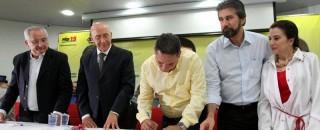 Maurão e Lebrão assinam ficha de filiação no PMDB