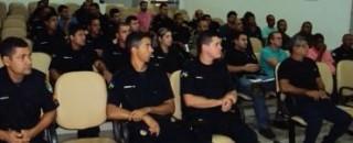 Policiais civis e militares participam de curso para pilotar embarcações em Guajará-Mirim