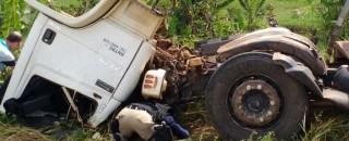 Acidente na BR-364, próximo a Ji-Paraná, deixa três pessoas gravemente feridas