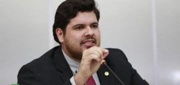 Jean Oliveira pede construção de lombadas e sinalização em Alta Floresta