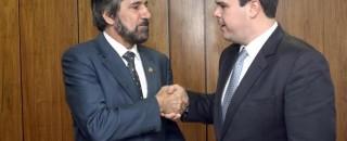 Senador Valdir Raupp  pede aos novos ministros apoio para investimentos em Rondônia