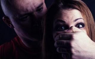 Em Cacoal, tarado tenta estuprar uma mulher no bairro Brizon, o maníaco usou uma faca para ameaçar a vítima