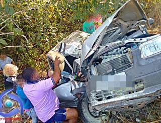 Grave acidente de trânsito na BR-364 resulta em duas mortes