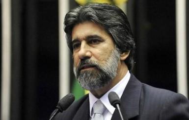 Senador Valdir Raupp propõe que Ministério da Saúde aumente o teto de transferência de recursos do SUS para Rondônia