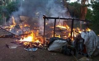 Homem morto degolado é encontrado em casa incendiada em Costa Marques