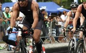 Triatleta amador de Rondônia treina para competição em Santa Catarina