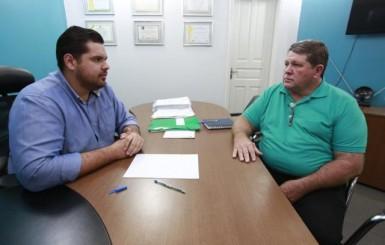 Jean Oliveira intercede junto ao DER por melhorias para Alto Alegre