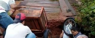 Buraco em ponte quase mata pecuarista em Nova Brasilândia