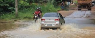 Chuva intensa causa estragos em Cacoal; veja fotos