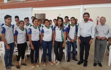 Raupp destaca papel da educação no desenvolvimento durante inauguração de Escola