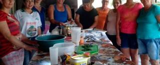 Processamento da mandioca oferece à mulheres de Santa Luzia do Oeste alternativa para geração de renda...