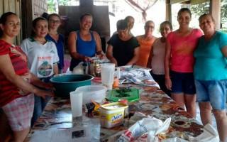 Processamento da mandioca oferece à mulheres de Santa Luzia do Oeste alternativa para geração de renda familiar