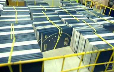 Emissão de passaportes é retomada no Brasil