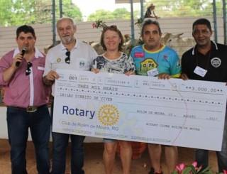 Rotary Club doa R$ 3 mil para o Leilão Direito de Viver