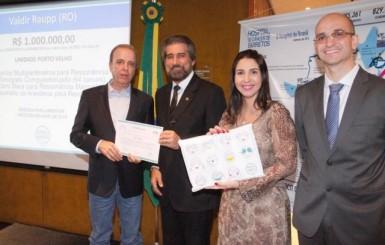 Senador Raupp e deputada Marinha são homenageados por apoiarem Hospital de Câncer da Amazônia de Porto Velho