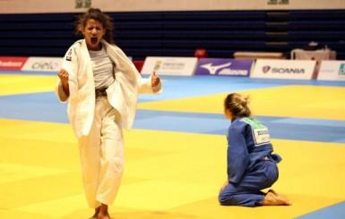 Amanda Arraes conquista título inédito no Troféu Brasil de Judô