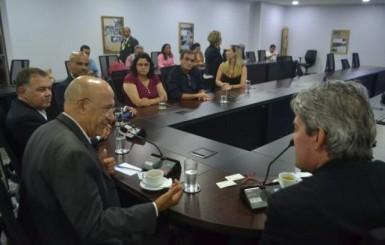 Regularização de imóveis o campo vai reduzir conflitos em Rondônia, afirma governador Confúcio Moura