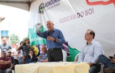 Governador autoriza o o asfaltamento da Rodovia do Boi no Sul de Rondônia