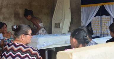 Irmãos atropelados por caminhão, em Cacoal, morreram no dia do aniversário do pai