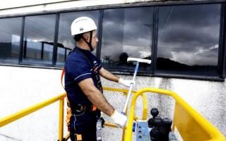 Serviços fecham 2017 com queda de 2,8%, segundo IBGE