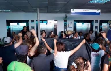 Depois de 12 horas de ocupação, trabalhadores em educação deixam o prédio da Seduc em Porto Velho