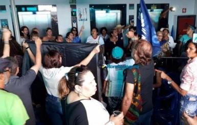 Greve: Energia da Seduc  é desligada e professores decidem manter ocupação por tempo indeterminado