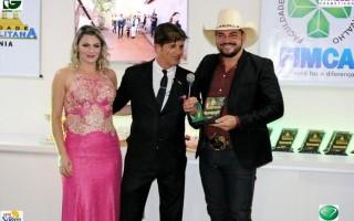 Marcio Santtóro é homenageado com o troféu Evidência como cantor destaque de Rondônia