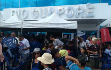 Professores em greve ocupam prédio da Seduc em Porto Velho