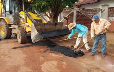 Rolim de Moura: Parceria garante retorno da operação tapa buracos