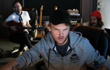 Avicii, DJ e produtor sueco, morre aos 28 anos
