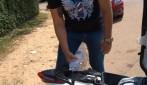 Com falta de combustível em Porto Velho morador abastece moto com álcool comprado em supermercado