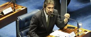 Senador Raupp defende retirada de impostos para baixar preços dos combustíveis