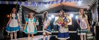 Descendentes europeus realizam 8ª Festa da Cultura Pomerana durante o 37º aniversário de Espigão do Oeste
