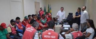 Mototaxistas de Rolim de Moura Participam de curso e recebem alvará deixando-os aptos para exercer a...