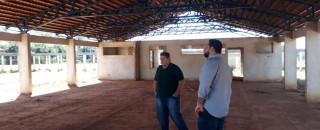 Jean Oliveira intercede para  liberar  recursos para  construção de  escola municipal em...