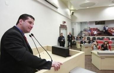 ELEIÇÕES 2018: Professor universitário aposta na renovação para o Senado Federal