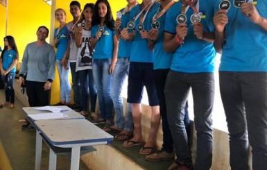 Escola Polo José Veríssimo homenageia alunos que participaram da fase regional do JOER