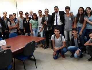 Justiça do Trabalho realiza ações sociais junto a alunos de escola pública em São Miguel do Guaporé (RO)