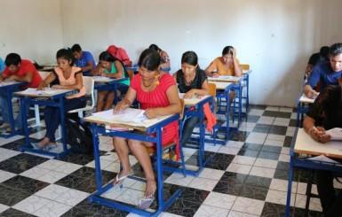 Nas margens do Rio Guaporé, primeiro vestibular é aplicado dentro de aldeia indígena em Rondônia