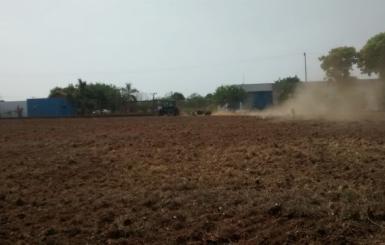 ROLIM DE MOURA: Secretaria Municipal de Agricultura beneficia produtor  rural com preparação de solo para plantio de melancia