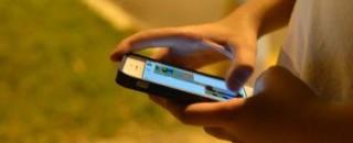 Cresce o número de crianças e adolescentes conectados só pelo celular