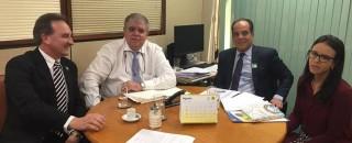 Em Brasília Prefeito Luizão do Trento solicita a Ministro liberação de recursos de obras de asfaltamento,...
