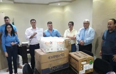 Grupo Cesar Cassol doa 08 mil em medicamentos para a saúde de Rolim de Moura