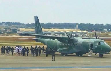 Oito presos mais perigosos de Goiás são transferidos para presídio de segurança máxima em Rondônia