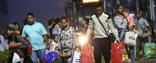Refugiados deixam o Brasil após morte de brasileiro e venezuelano em Roraima
