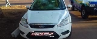 Rolim de Moura - Colisão entre carro e moto resulta em uma vítima lesionada