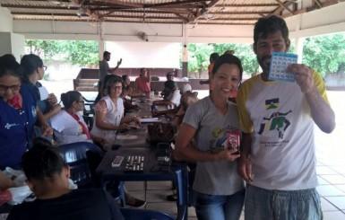 Profissionais da Unidade de Saúde Albert Sabin, realizam atendimentos e atividades diversas para moradores de rua do município