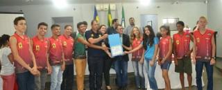 Alunos das Escolas Francisca Duran e José Veríssimo que se destacaram no JOER são homenageados na...