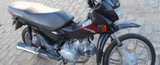 Enquanto fazia compras na feira, homem tem moto furtada