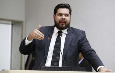 Jean Oliveira quer isenção de taxa para leilões de animais quando beneficentes